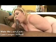 Huge fat mature bbw tries on a bbc