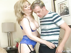 MILF Nina prostate stimulation a beamy penis