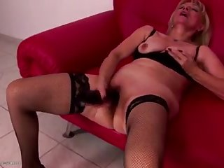 Sexy granny gets rough fisting from cute girl