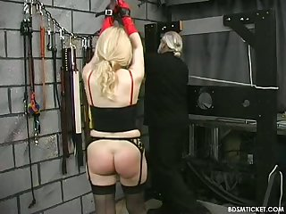 Pussy clamping nice