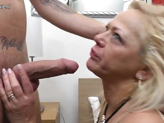 Mature mom sucking