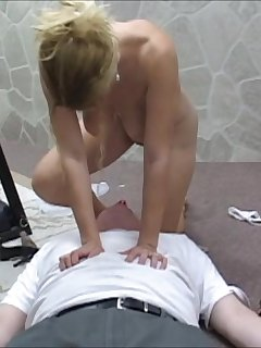 6 of Goldie All Nude With Her Hairy Pussy Ready to Get Smother