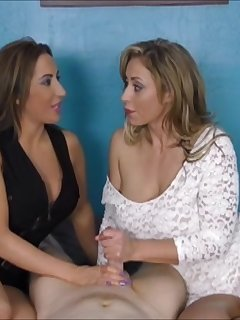 <!–-IMAGE_COUNT-–> of Alura and Eva cock hardening especial