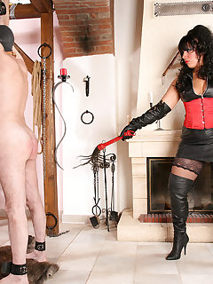 <!–-IMAGE_COUNT-–> of MISTRESS ROUGE IN THE OWK