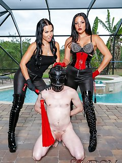 <!–-IMAGE_COUNT-–> of Kylie Rogue and Michelle Lacy